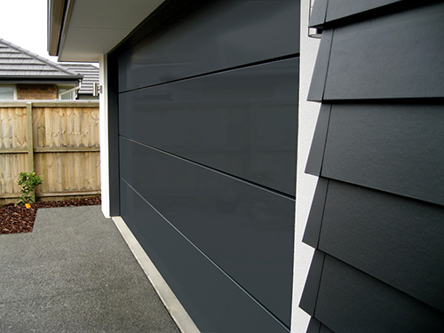 New Garage Door Style to Complement Modern Home Designs