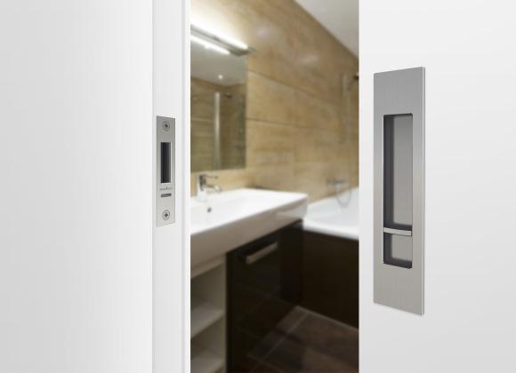 M-SERIES-PrivacyLockSet-bathroom_highres_FINAL.jpg