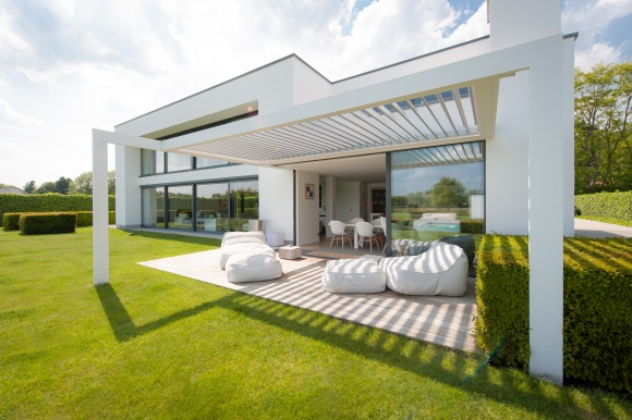 opening roof white beanbags