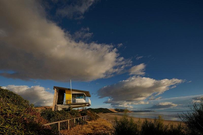 Waimarama Surf Tower with Abodo Vulcan Screening